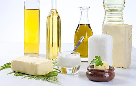 fette-und-oele-liste-mit-naehrstoffreichen-lebensmitteln