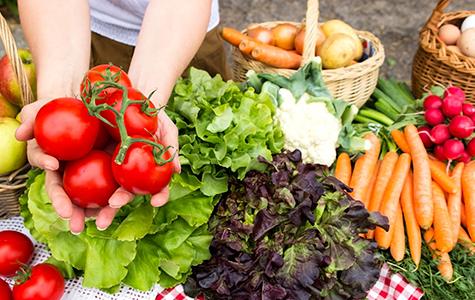 gemuese-und-salat-liste-mit-naehrstoffreichen-lebensmitteln
